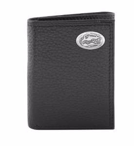 Pebble Grain Leather Trifold Concho Wallet