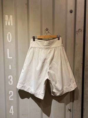 vintege white short pants