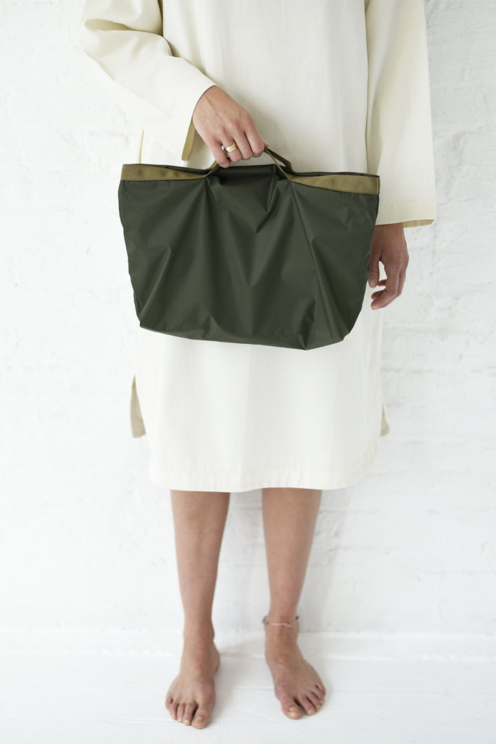 8.6.4 2-Way Nylon Bag - Small Olive