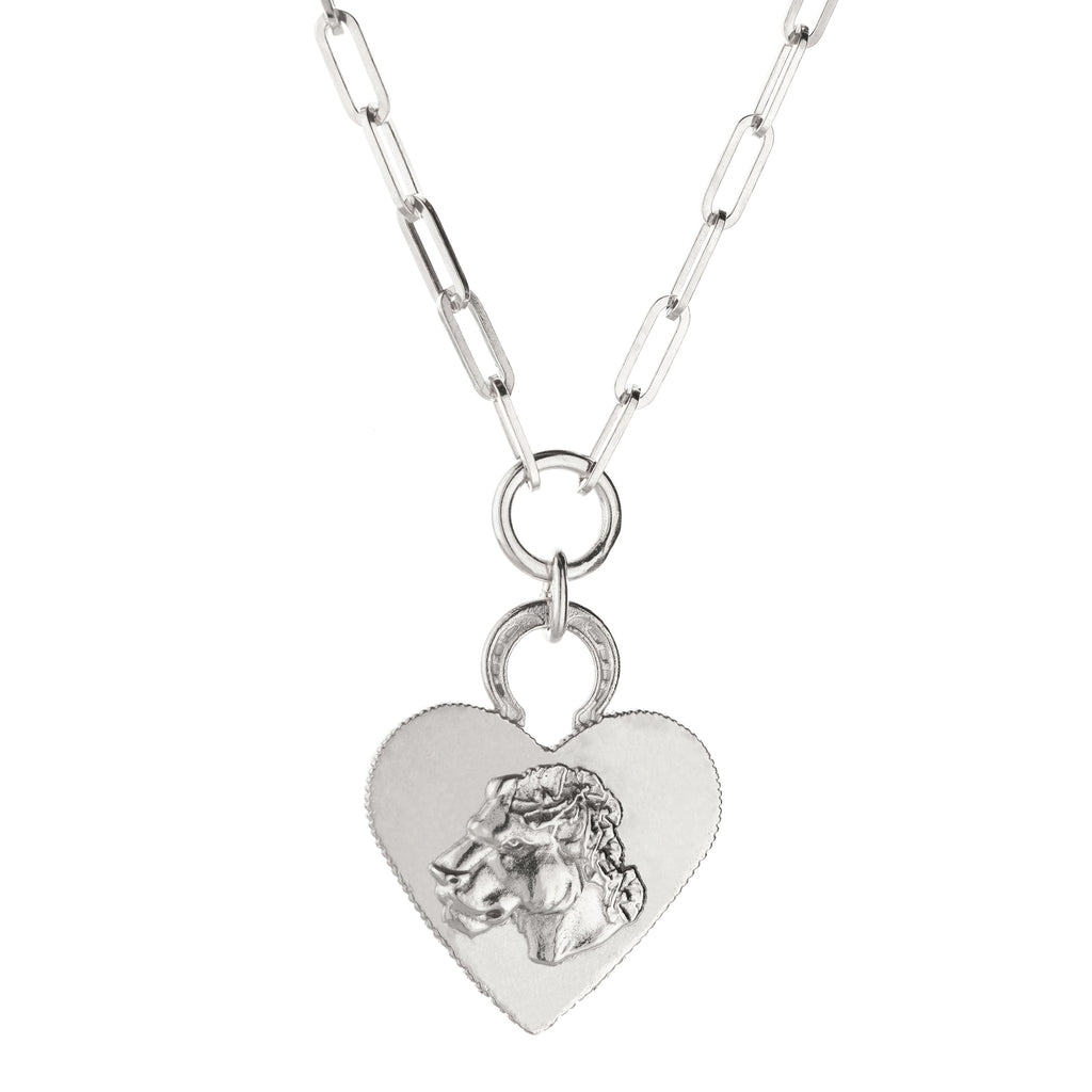LIONESS HEART ON RECTANGLE CHAIN