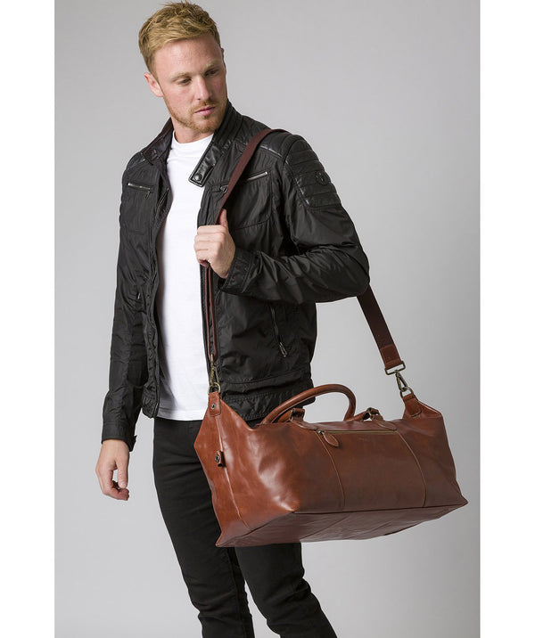 'Storey' Conker Brown Leather Holdall