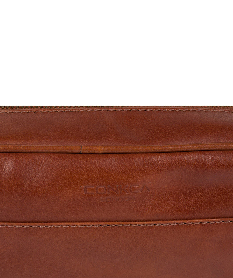 'Rudkin' Conker Brown Leather Washbag