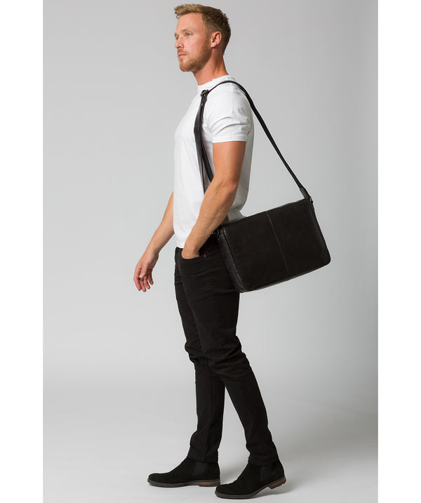 'Leao' Black Leather Messenger Bag image 2