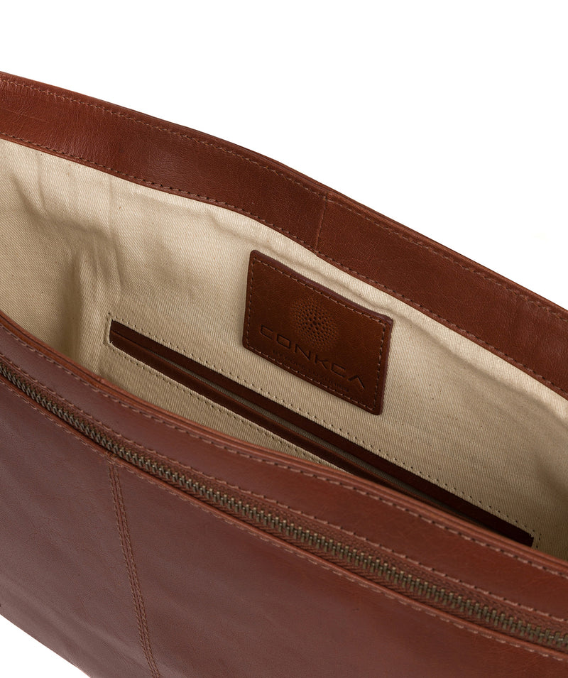 'Leao' Conker Brown Leather Messenger Bag image 4