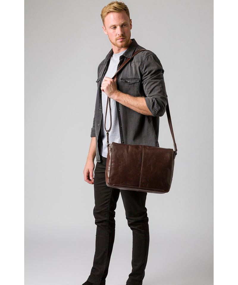 'Leao' Dark Brown Leather Messenger Bag image 2
