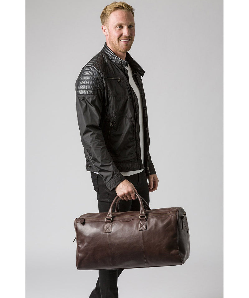 'Edu' Dark Brown Leather Holdall image 7