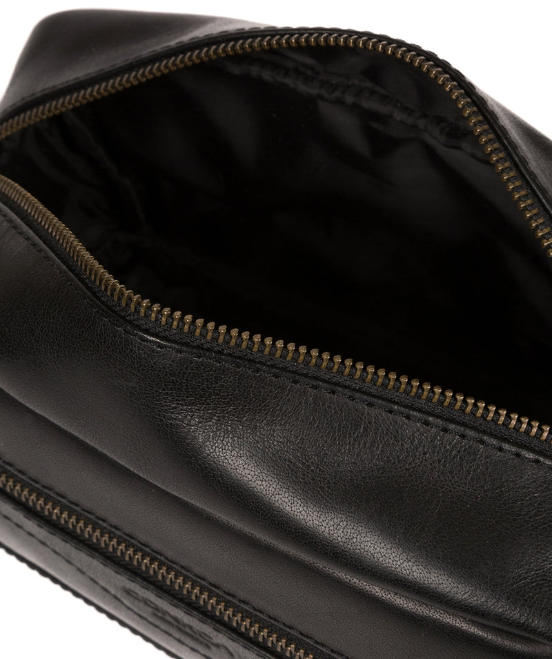 'Careca' Black Leather Washbag image 4