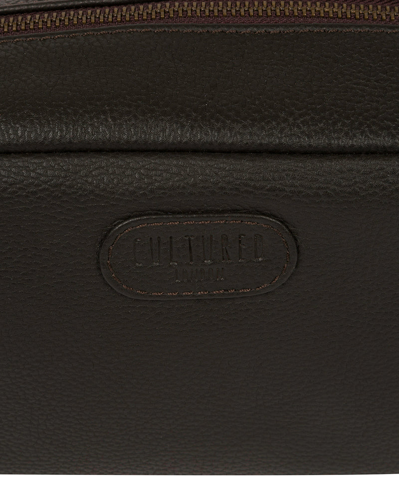 'Ronnie' Brown Leather Washbag image 5