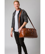 'Giambino' Italian-Inspired Umber Brown Leather Holdall image 2