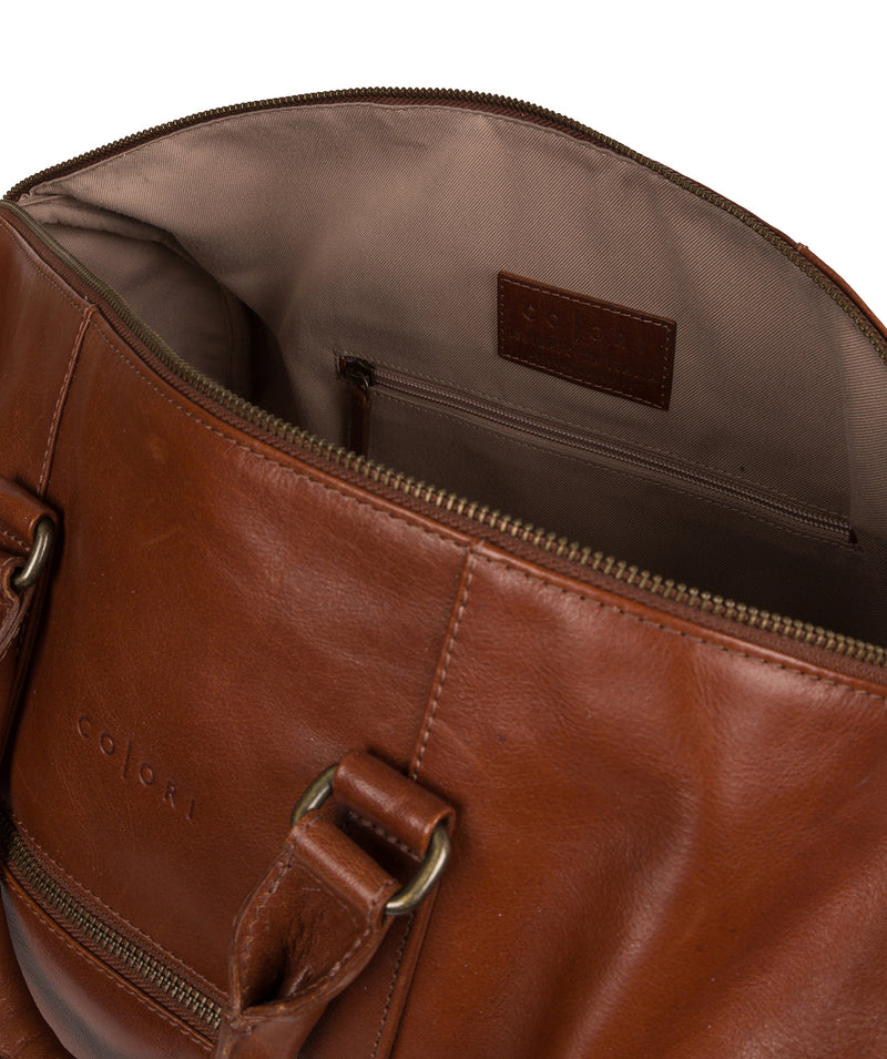 'Lucca' Italian-Inspired Umber Brown Leather Holdall image 4