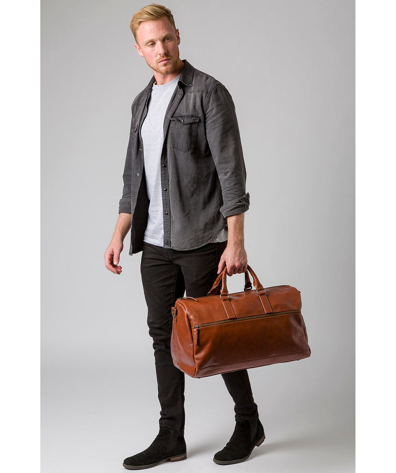 'Lucca' Italian-Inspired Umber Brown Leather Holdall image 2
