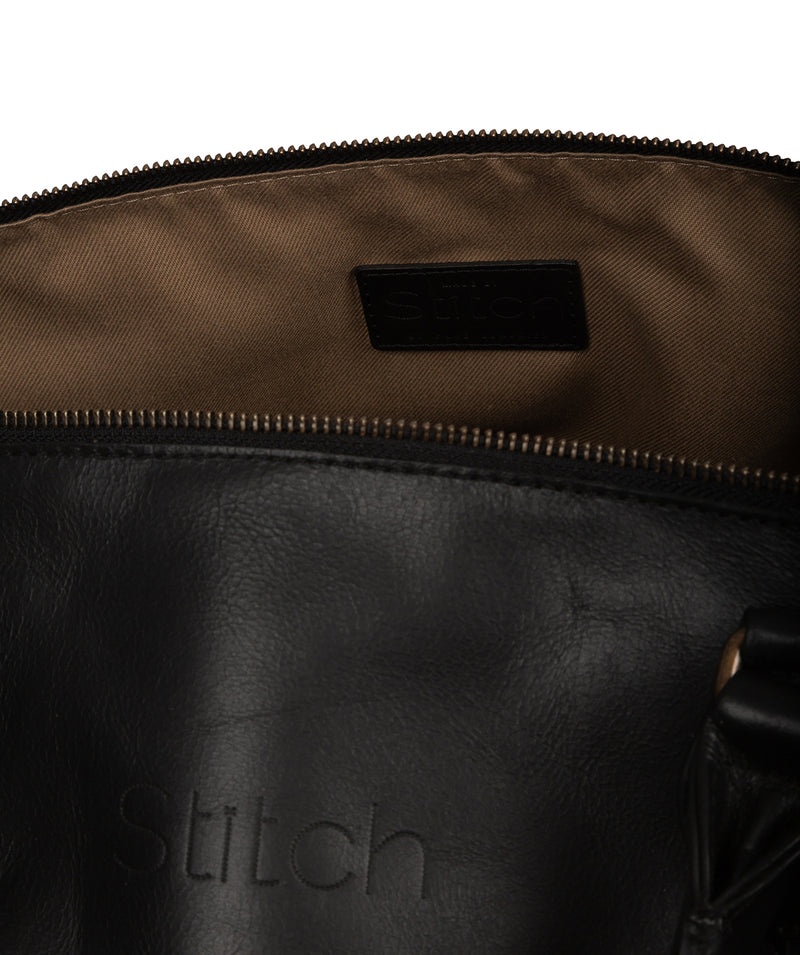 'Excursion' Black Leather Holdall image 5