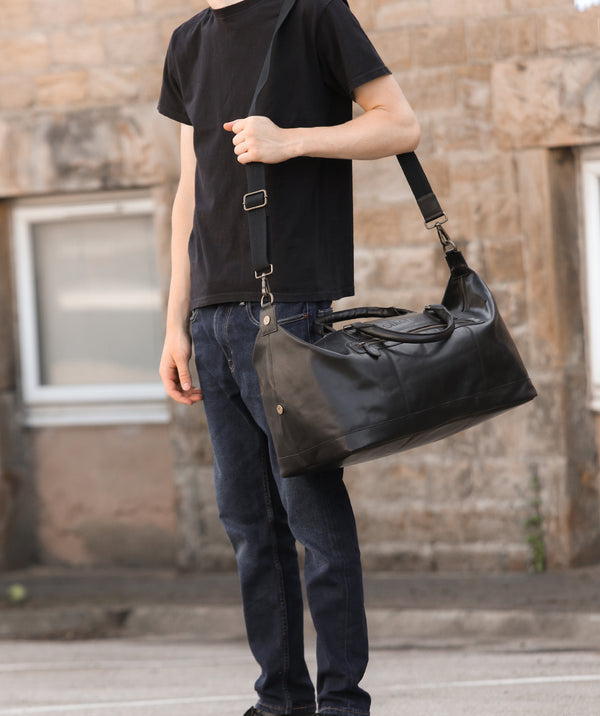 'Shuttle' Jet Black Leather Holdall