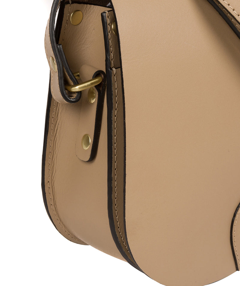 'Coniston' Beige Leather Cross Body Bag image 7