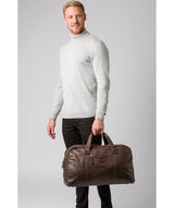 'Snowdon' Cocoa Leather Holdall image 7