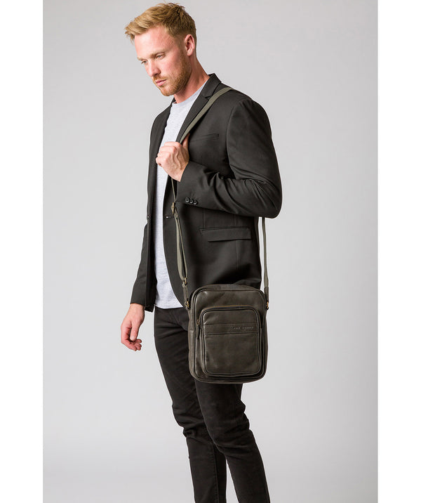 'Capitan' Ash Black Leather Cross Body Bag image 2