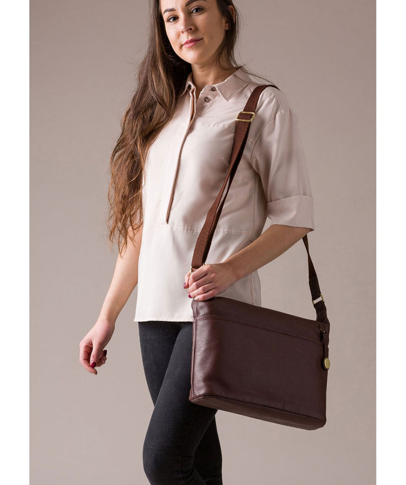 'Helmsley' Auburn & Gold Leather Shoulder Bag