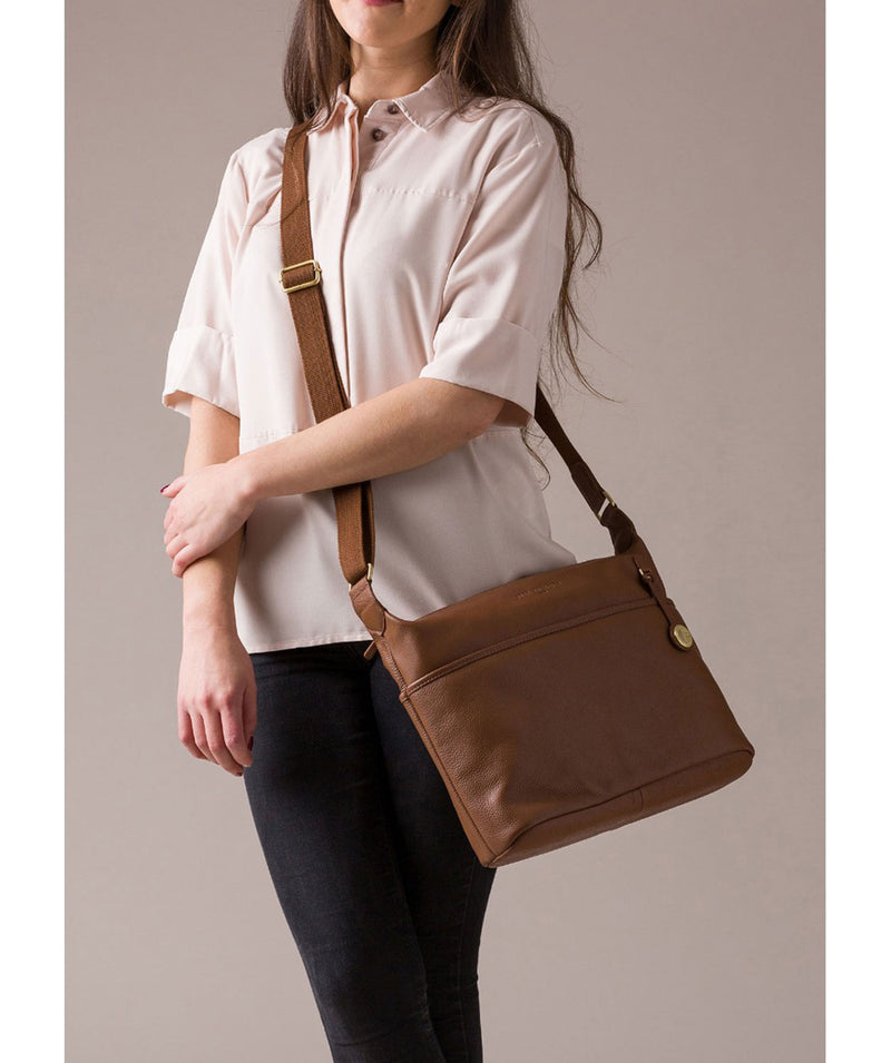 'Helmsley' Tan & Gold Leather Shoulder Bag