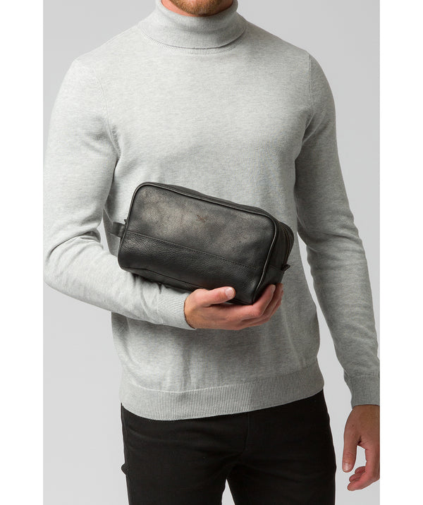 'Bowfell' Black Leather Washbag image 2