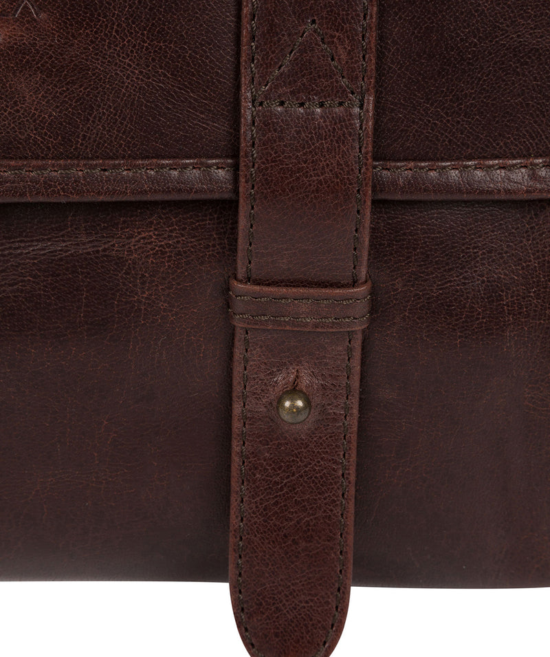 'Mere' Dark Brown Hanging Washbag image 5