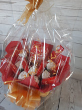 Load image into Gallery viewer, The Lindt Lindor Chocolate Bouquet Hamper