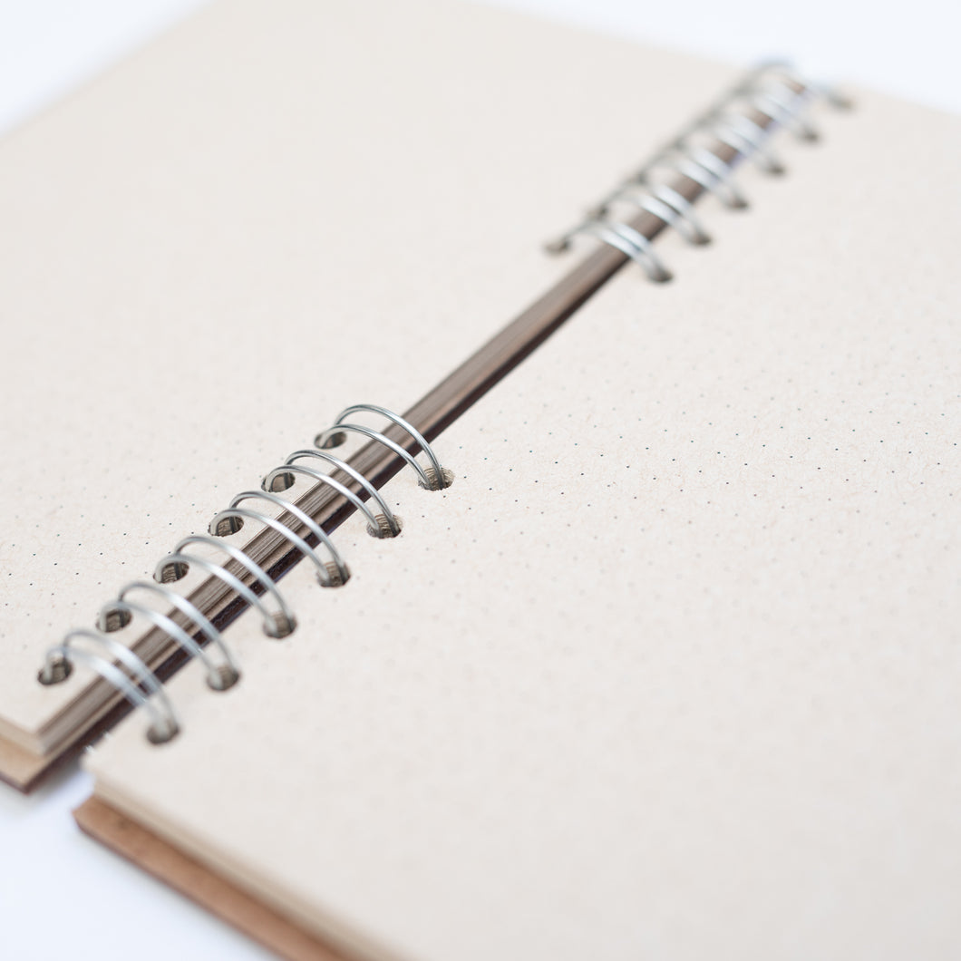 Refilling -notebook A4 size - dotted paper