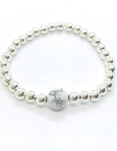 Load image into Gallery viewer, Luxe Howlite Bracelet