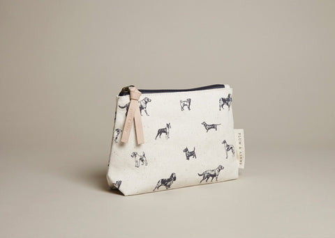 Make-Up bag: All-breed