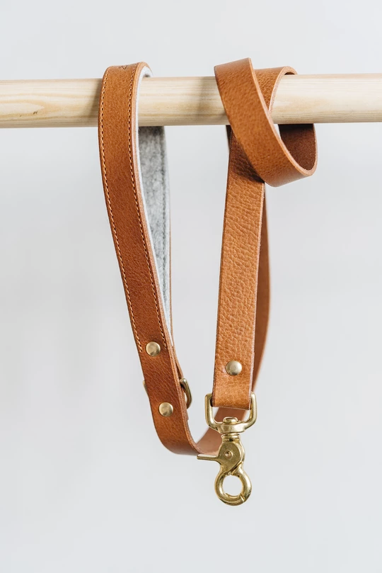 Band&Roll Hitch Leather Dog Leash Latte Brown Green Tan Black