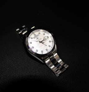 Ladies silver & pearl classic watch