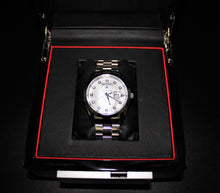 Load image into Gallery viewer, Ladies silver & pearl classic watch