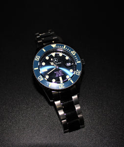 Automatic movement blue bezel