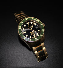 Load image into Gallery viewer, Automatic movement gold toned green bezel