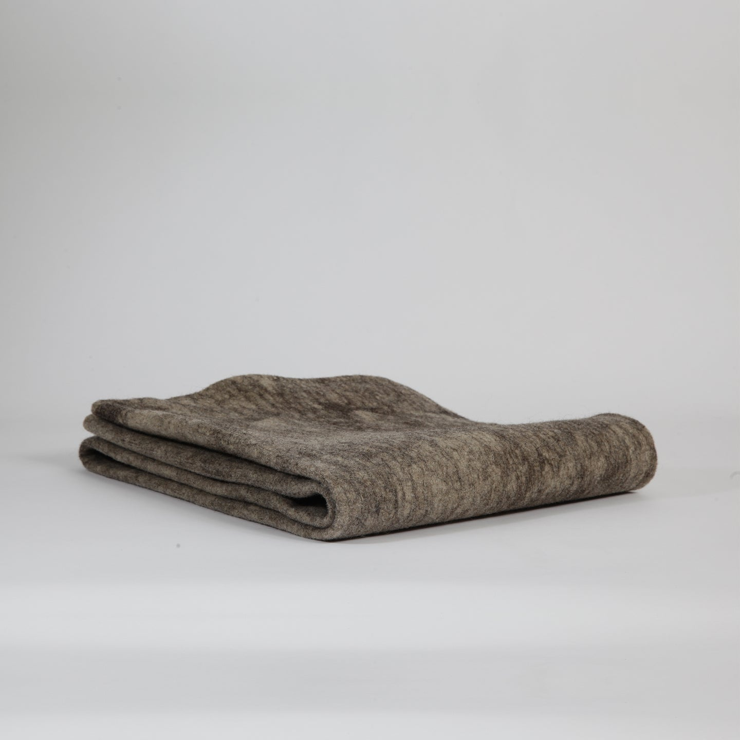 Pure Sheepwool Throw | 100% hand-washed