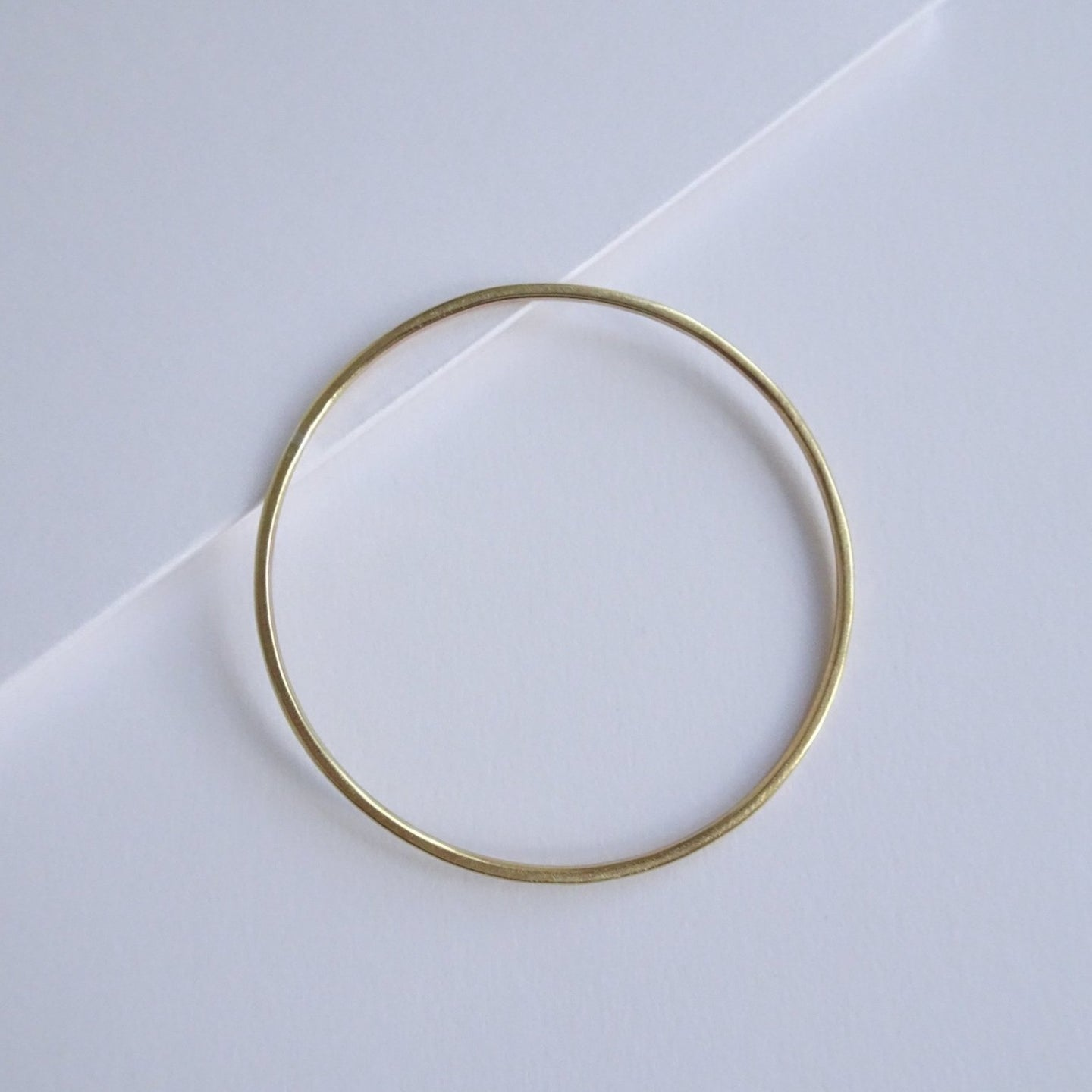 Minimal Round Bangle | Brass Slim - THE HOME OF SUSTAINABLE THINGS