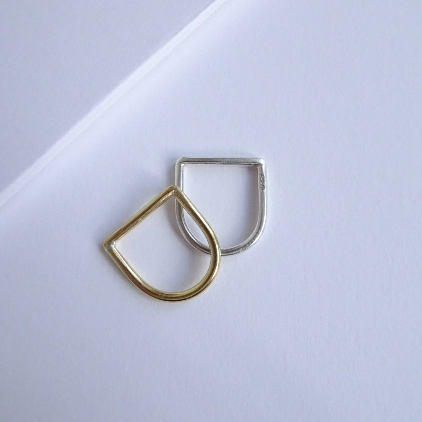 Minimalistic D Ring - THE HOME OF SUSTAINABLE THINGS