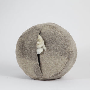 Pure Sheepwool Cushion | 100% hand-washed - THE HOME OF SUSTAINABLE THINGS