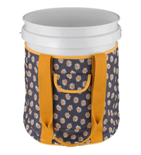 Load image into Gallery viewer, Lilac & Vine Daisy Garden Bucket Bag Outdoor Garden Holder