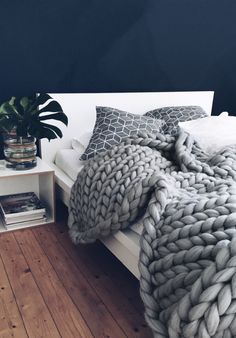 Knitted Blanket Winter Trend