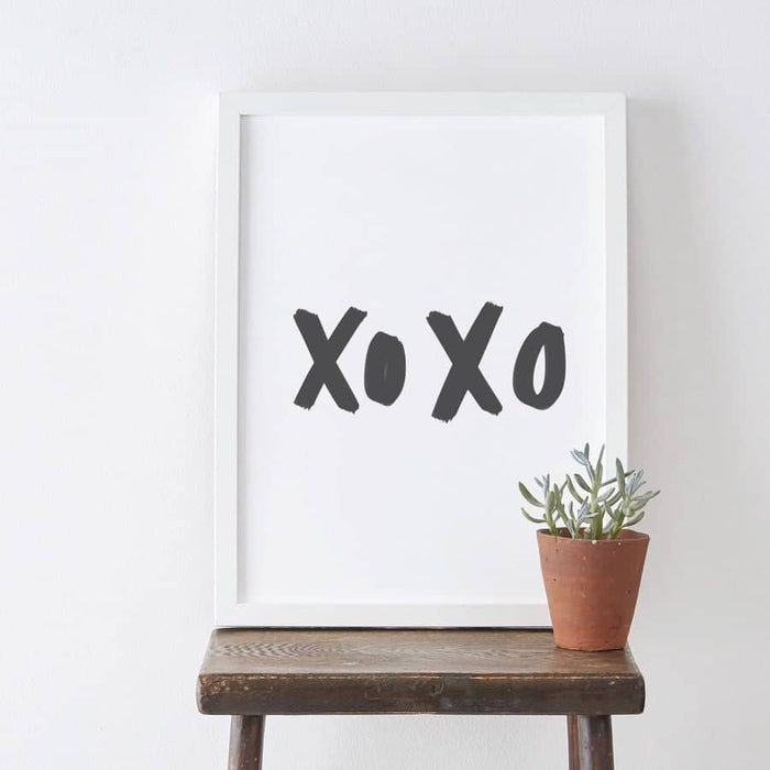 xoxo hand-lettered print