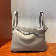 將圖片載入圖庫檢視器 Hermes Lindy 26cm taurillon Clemence leather M8瀝青灰 Griss Asphalte