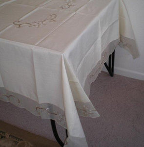 OctoRose 100% Polyester Thick Satin Off White with Embroidery Table Cloth 72x108 Oblong (TC-9053-72108)