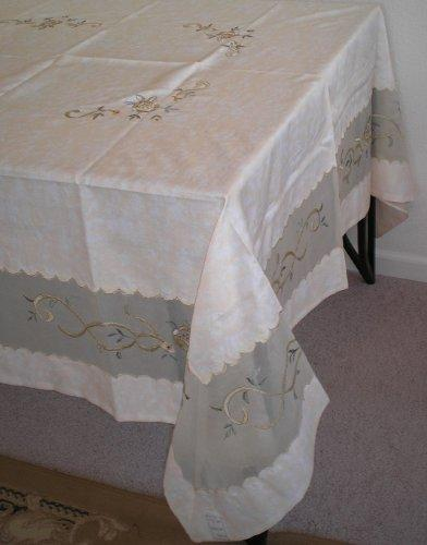 100% Polyester Bamboo Nod Material with Embroidery Table Cloth 72x108