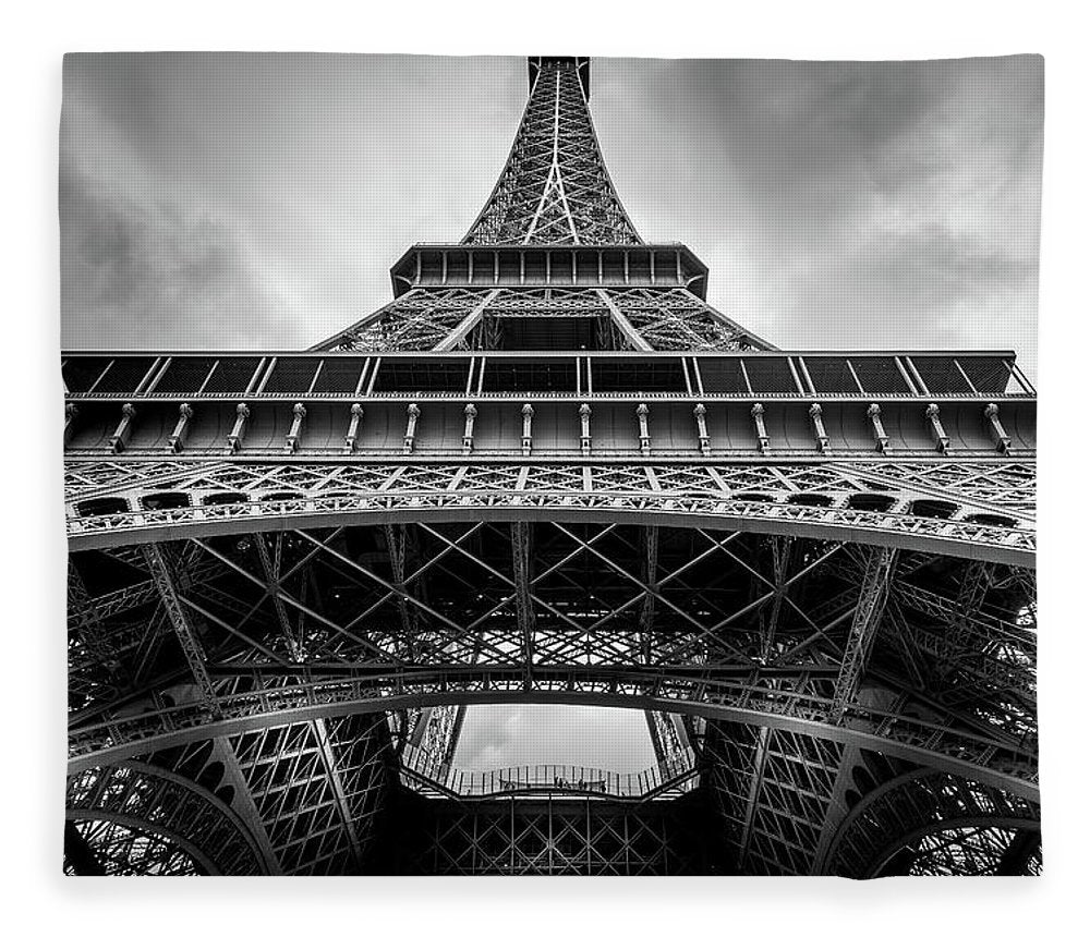 Eiffel Tower High - Blanket