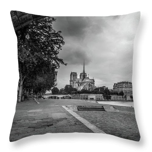 Notre Dame - Throw Pillow
