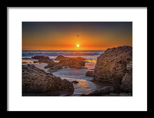 Load image into Gallery viewer, Through the light - Framed Print