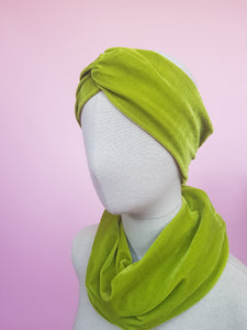 Velvet Cowl in Lime