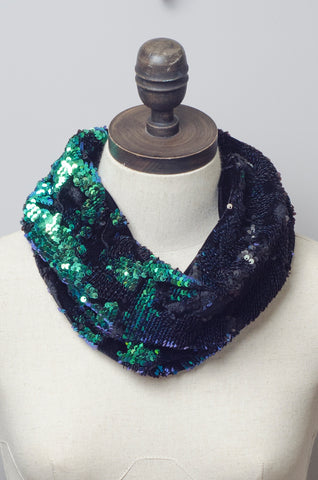 Sequin Embellished Velvet Cowl in Mermaid
