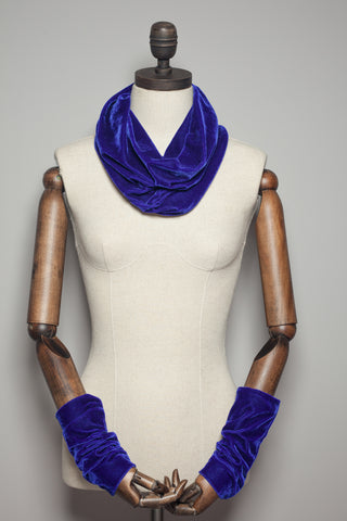 Velvet Cowl and Wrist Warmers Set in Lapis