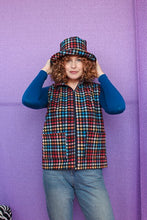 Load image into Gallery viewer, Gilet in Digital Plaid Print